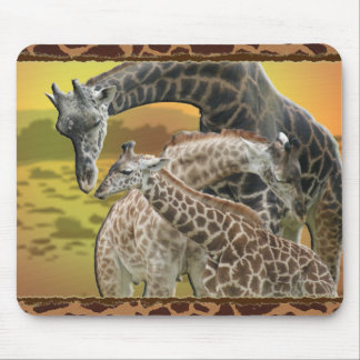 GIRAFFE TWISTER - LOVE TRIANGLE MOUSE PAD