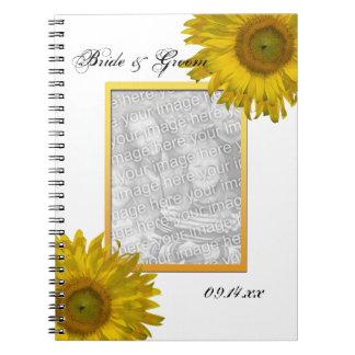 Girasol amarillo que casa el cuaderno espiral