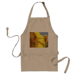 Girasol con las abejas de la miel delantal