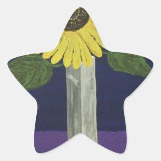 Girasol con todavía del florero vida cuadrada pegatina en forma de estrella