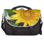 Girasol en la floración bolsas para portátil