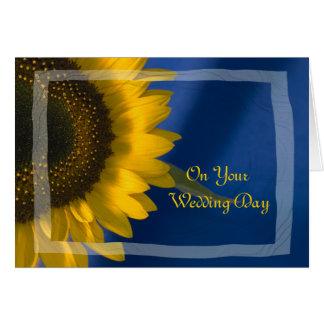 Girasol en la invitación de boda mezclada azul de tarjeta de felicitación