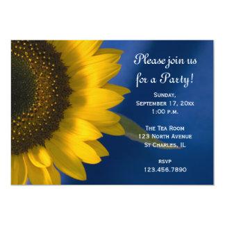 Girasol en la invitación general azul del fiesta