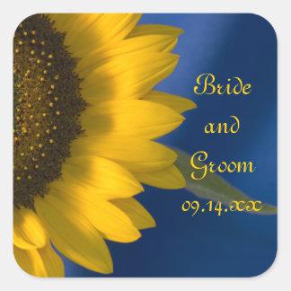 Girasol en los pegatinas azules del boda calcomanías cuadradass personalizadas