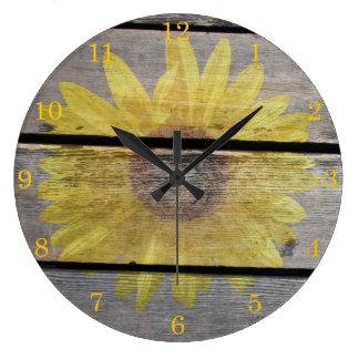 Girasol rústico en la madera reloj redondo grande