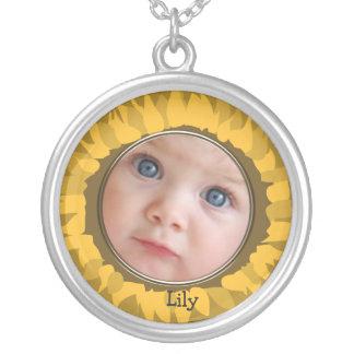 Girasol su collar de la foto del bebé
