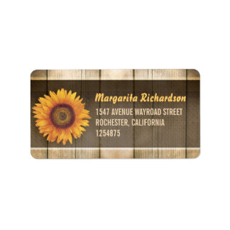 girasol y etiquetas de dirección de madera rústica