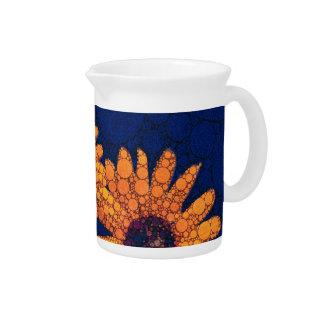 Girasoles anaranjados brillantes azul marino jarra de beber