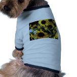 Girasoles en el sol ropa de perros