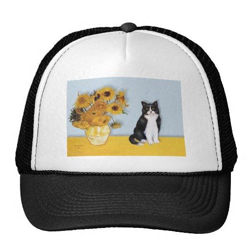 Girasoles - gato blanco y negro gorro de camionero