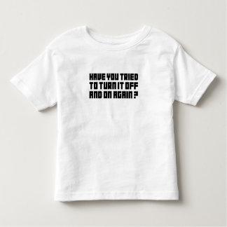 ¡Gírelo apagado y otra vez! T-shirt