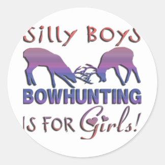 GIRL BOWHUNTER DEER CLASSIC ROUND STICKER