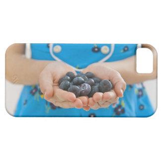 Girl holding fresh blueberries iPhone SE/5/5s case