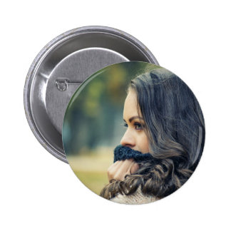 girl-looking-away button