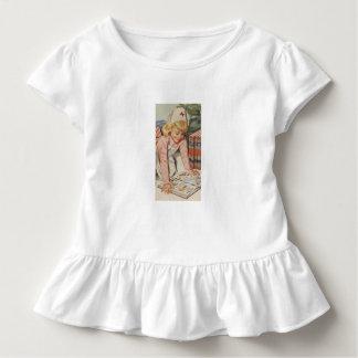 Girl playing Nurse - Retro Toddler T-shirt