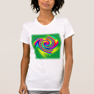 Giro en forma de corazón del arco iris tops