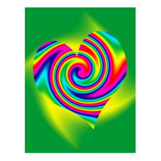 Giro en forma de corazón del arco iris postal