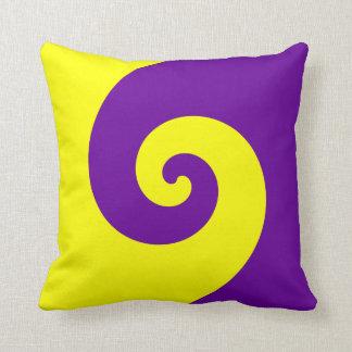 Giro púrpura y amarillo cojín