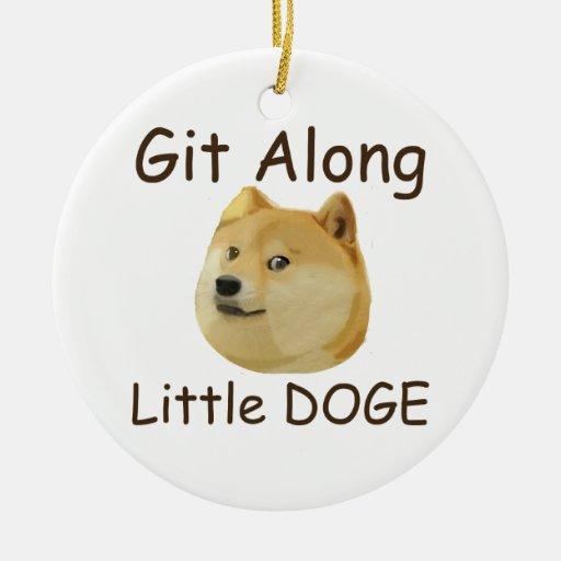 Git a lo largo del pequeño DUX Ornamento De Navidad