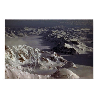 Glaciar de Kahiltna según lo visto del monte McKi Posters