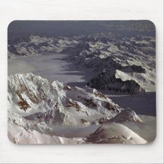 Glaciar de Kahiltna según lo visto del monte McKi Alfombrilla De Raton
