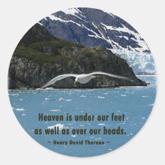 Glacier Bay con cita del pájaro/de Thoreau Pegatina Redonda