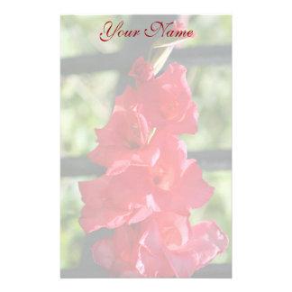 Gladiola rojo inmóvil  papeleria de diseño
