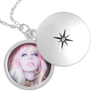 Glare cool beautiful classic oil portrait painting personalized necklace