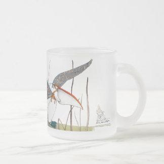 Glas cup animal ready to fly with paper wings. taza de café esmerilada