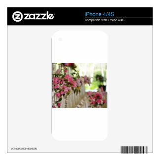 Glass flower vases with spring flowers decals for the iPhone 4S