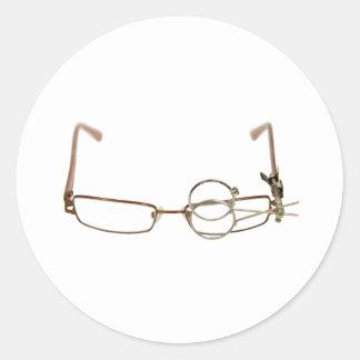 GlassesFocus052409 Classic Round Sticker
