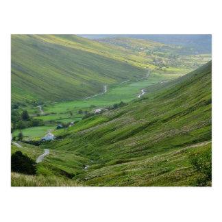 Glengesh pasa los valles Irlanda Tarjeta Postal