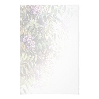 Glicinias púrpuras brumosas en blanco - 2  papeleria