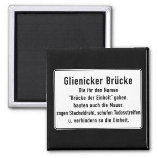 Glienicker Brücke, muro de Berlín, muestra de Imán Cuadrado