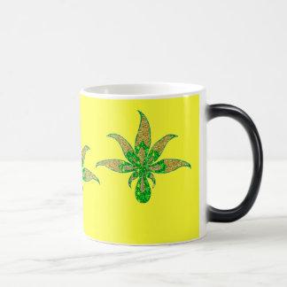 GlitterLeaf1 Gold and Green Morphing Mug