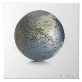 Globe 4 ceramic tile