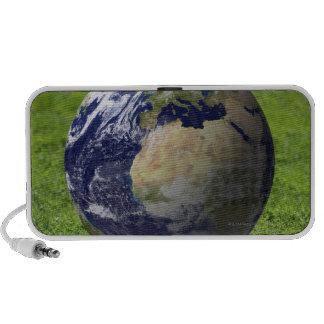 Globe on lawn 2 travel speaker