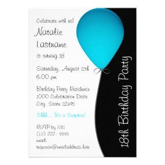 Globo azul del cumpleaños invitaciones personales