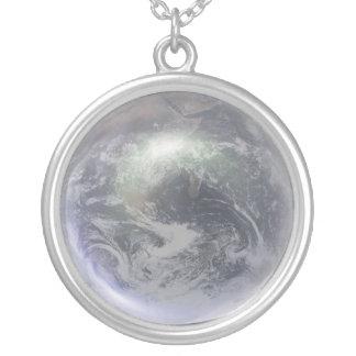 Globo cristalino de la tierra colgante redondo