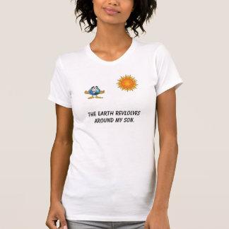 globo de c, sol, los revlolves de la tierra alrede camiseta