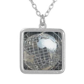 globo de plata collar personalizado