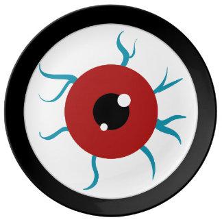 Globo del ojo inyectado en sangre de Halloween Plato De Cerámica