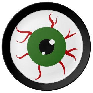 Globo del ojo verde de Halloween Plato De Cerámica