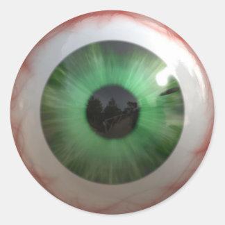 Globo del ojo verde espeluznante de la diversión - pegatina redonda