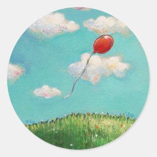 Globo rojo - arte hermoso del día del cielo azul pegatina redonda