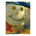 ¡Globo sonriente de la cara! Tarjeta Postal