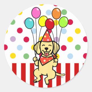 Globos amarillos del cumpleaños del perrito del pegatina redonda
