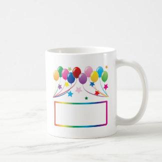 Globos de la fiesta de cumpleaños taza clásica