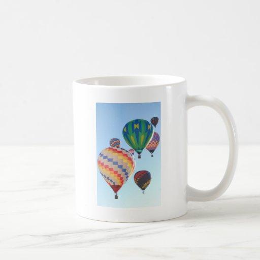 Globos del aire caliente tazas de café