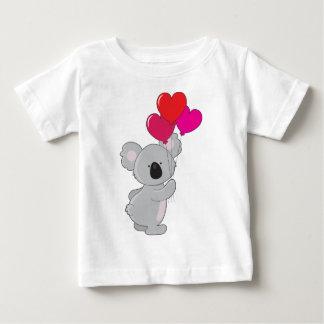 Globos del corazón de la koala playeras